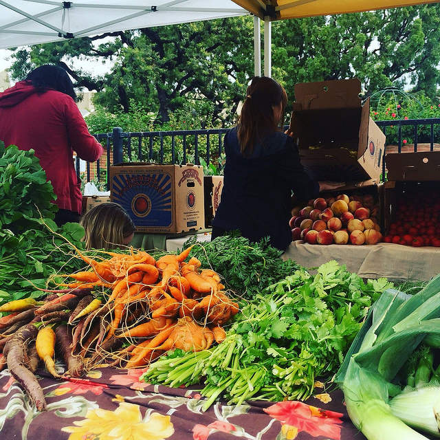 Food Forward produce at a free pop-up farmers market at Santa Monica College